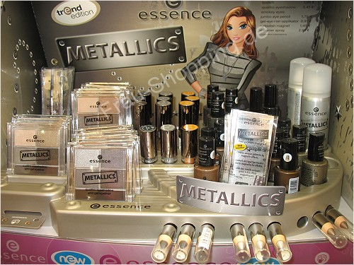 Display essence Metallics Limited Edition