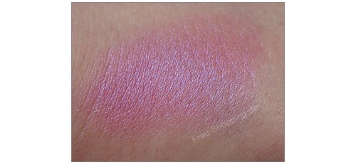 p2 Celebrate Beauty Eye Cream 010 pink passion Swatch