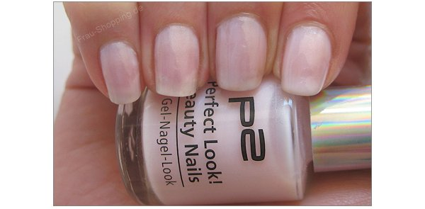 p2 Perfect Look Beauty Nails Nr. 020 rose touch in zwei Schichten lackiert