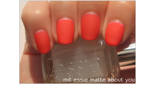 essie Camera mit essie matte about you