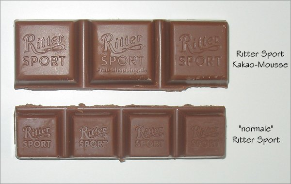Ritter Sport Kakao-Mousse beim Größenvergleich mit normalgroßer Ritter Sport