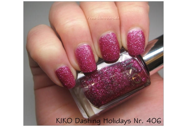 KIKO Dashing Holidays Nagellack Nr. 406 bei Kunstlicht