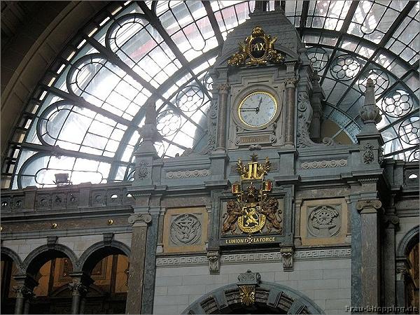 Der Bahnhof in Antwerpen von Innen