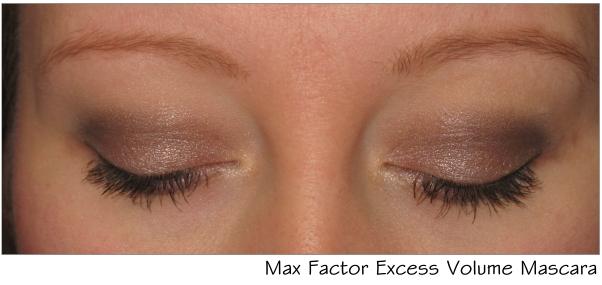 Schönes Ergebnis mit der Max Factor Volume Excess Mascara