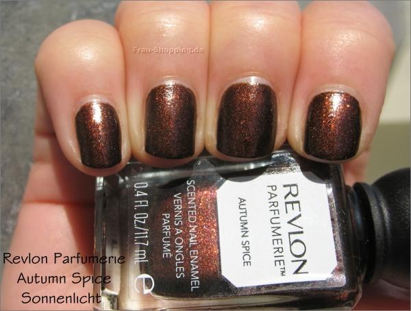 Revlon Parfumerie Autumn Spice Swatch im Sonnenlicht