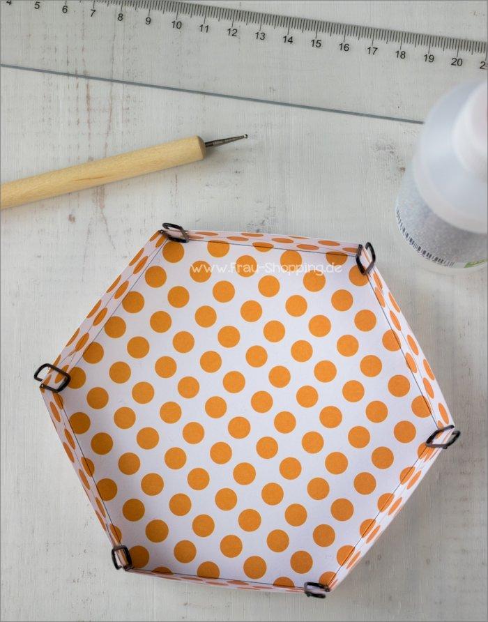 Anleitung Explosion Box mit Süßigkeiten - Deckel zusammen kleben