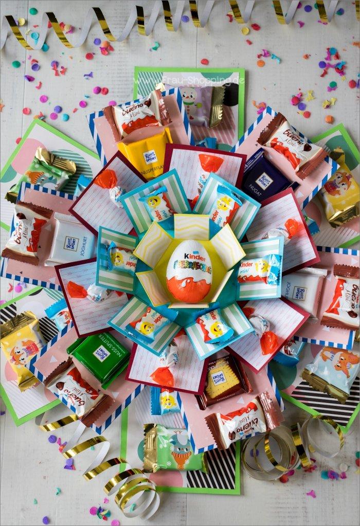 Geöffnete Explosion Box mit Süßigkeiten